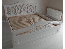 Двуспальная деревянная кровать 200см на 200 см, резное изголовье и изножье, белая